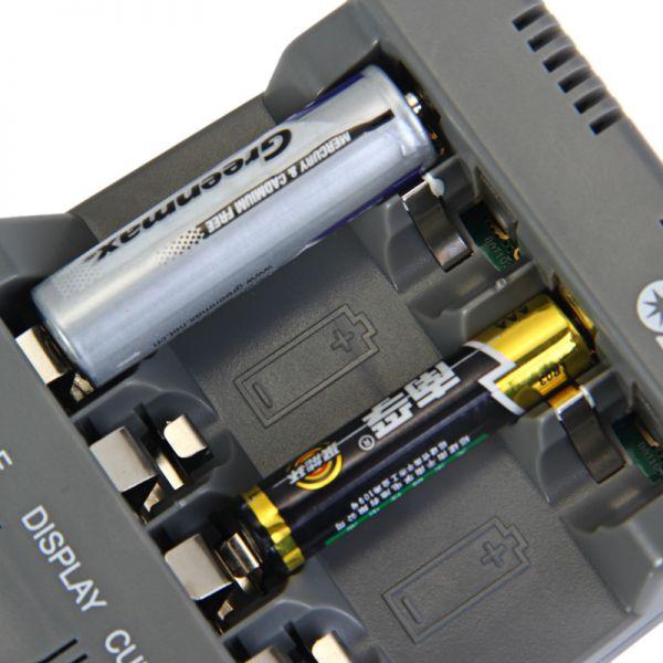 Зарядное устройство Opus BT-C700 v2.2 для аккумуляторов АА и ААА
